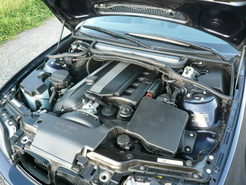 Motor m54 im e46 DER 6 Zylinder