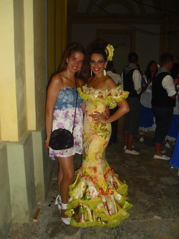 SARA CON ANA Mª SOCIA Y AMIGA(Colaboradora del club)