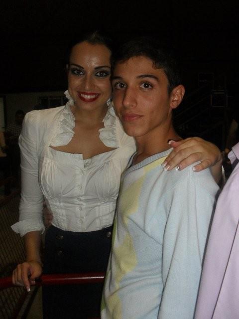 SARA CON Aarón  SOCIO Y AMIGO