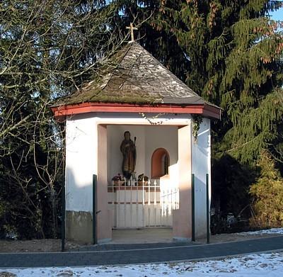 Das Pluwiger Kapellchen vor der Renovierung im Frühjahr 2013.
