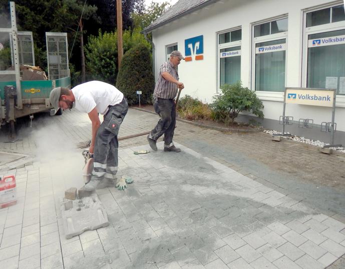 Der neue VoBa-Vorplatz kurz vor der Fertigstellung (28. Aug. 2020)