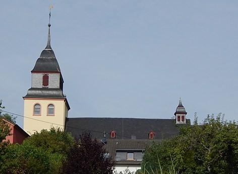 """Pluwig. St. Johannes der Täufer. Ansicht von """"Auf Steinisch""""."""