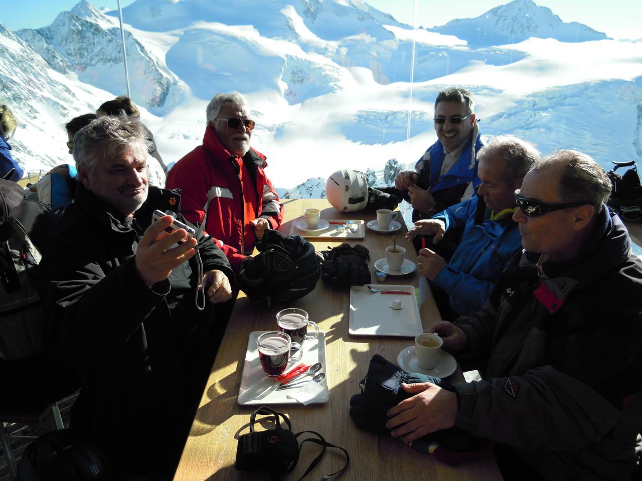 Panoramarestaurant mit Blick auf den Gletscher