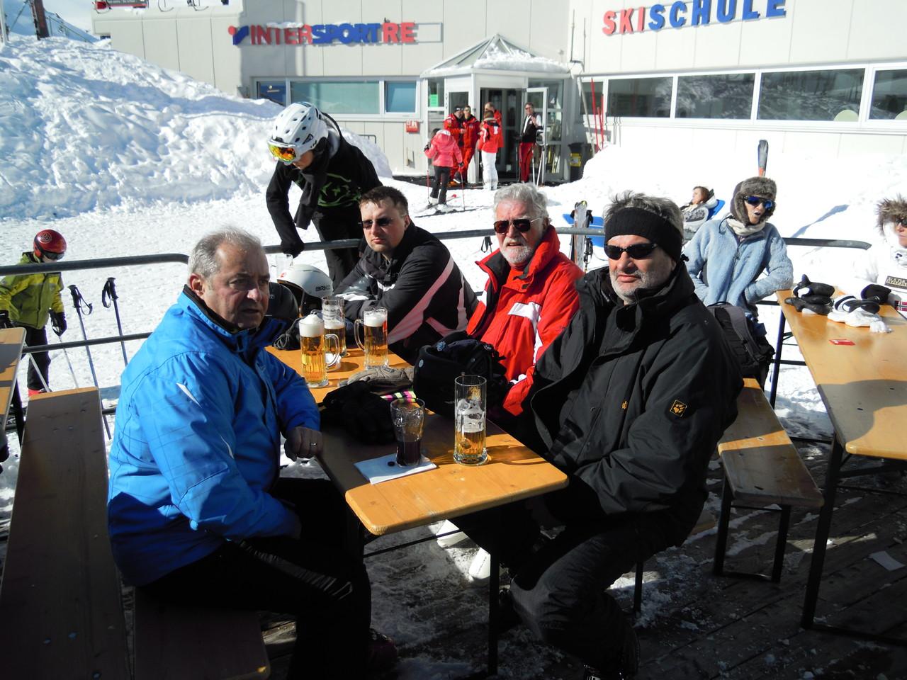 Mittagsrast am Gletscher