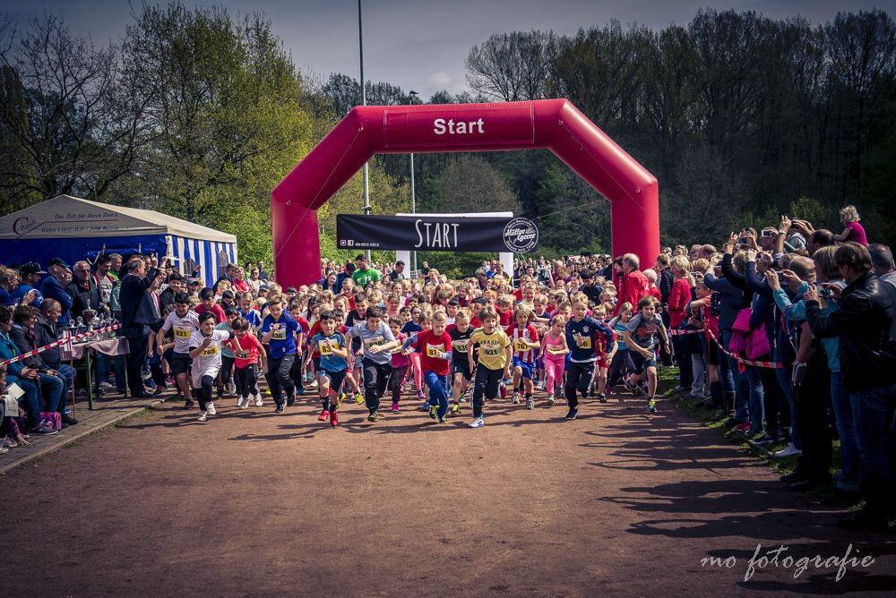 Start des 800 m Kinderlaufs