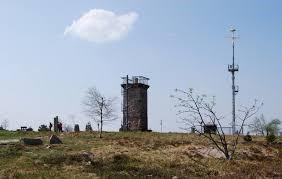 Der Bismarckturm steht auf der höchsten Erhebung des Hochmoores.