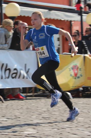 eindrückliche Laufstudie mit Aline Buchenberger