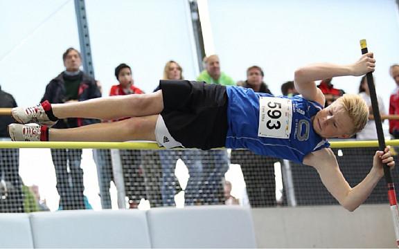 Mike Erne wird mit übersprungenen 3.00 Meter Vierter