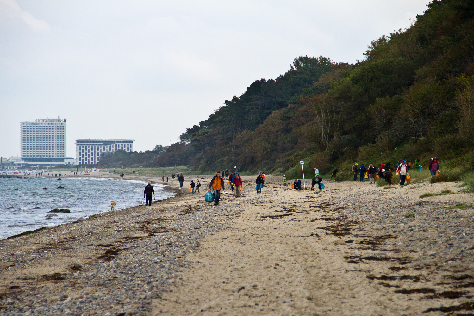 International Coastal Cleanup Day 2015 in Warnemünde