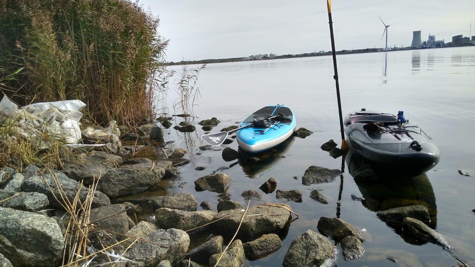 Mit dem Kajak und dem Standup Paddleboard erreicht man die vermülltesten Ecken. Bild: O. Schätzchen
