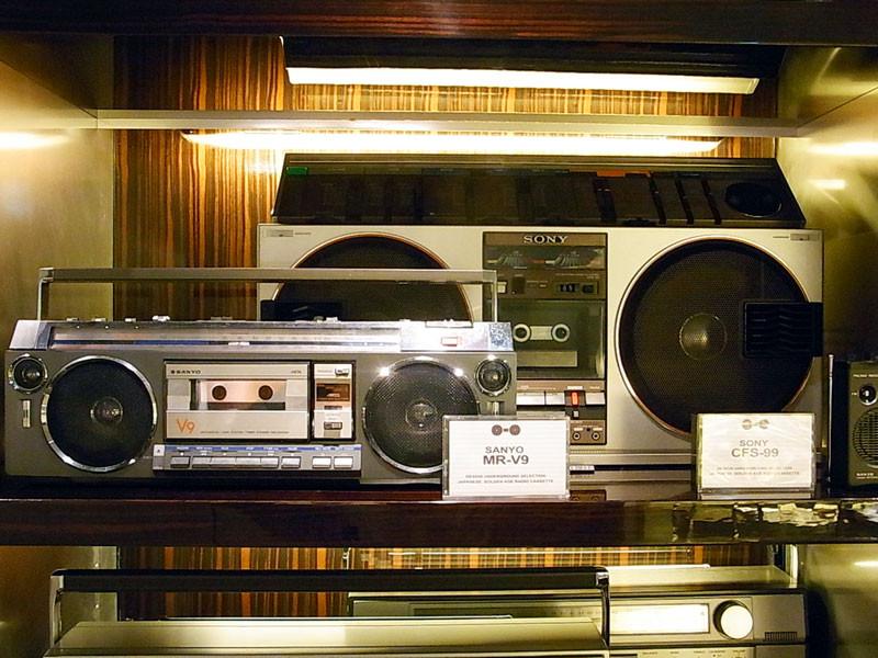 SANYO  MR-V9(銀) SONY  CFS-99(銀)整備品
