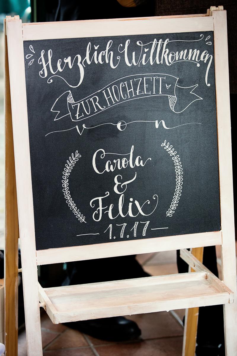 Willkommenstafel für unsere Hochzeitsfeier - Chalk Lettering