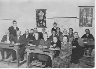 La scuola popolare, nella frazione Botte, nei primi anni '50