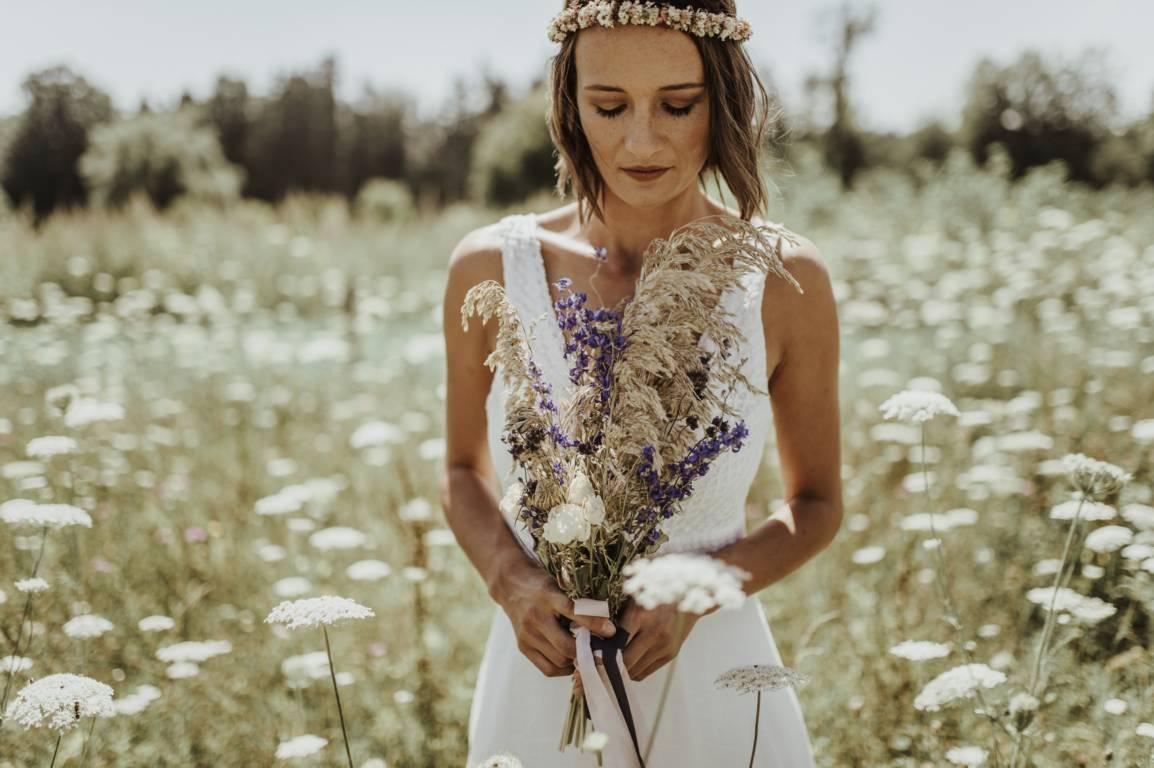 schlichte Brautkleider - elementar I moderne Brautkleider