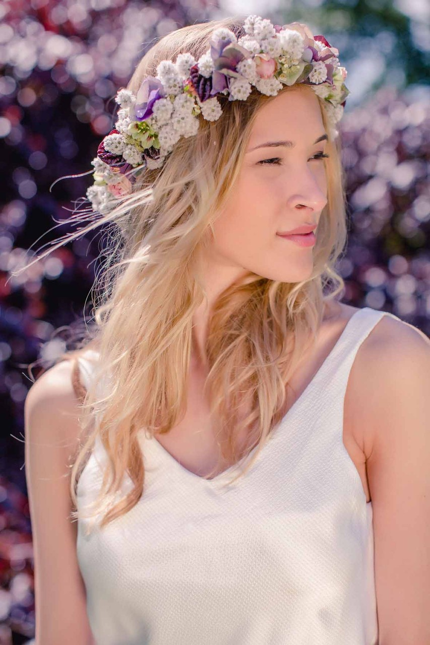 """veganes Brautkleid """"Ani"""" mit Blumenkranz von Mille Fleur"""