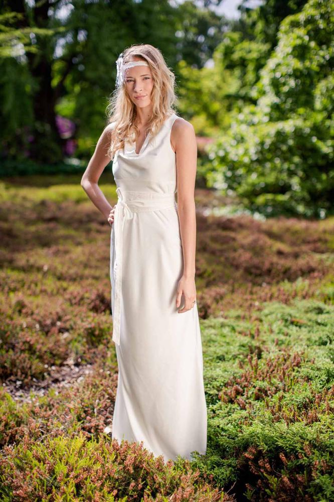 schlichte Brautkleider - geradlinig und edel
