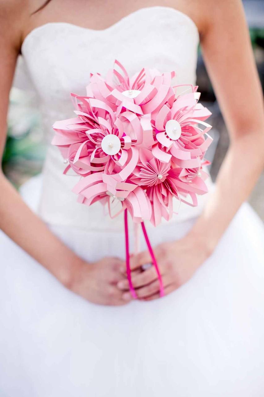 """Brautkleid Zweiteiler """"Sonnenpracht"""" mit Brautstrauß aus Papier"""