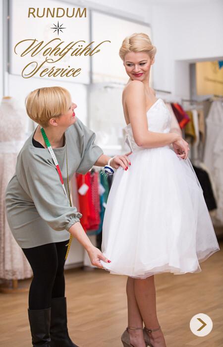 schlichte Brautmode nach Maß