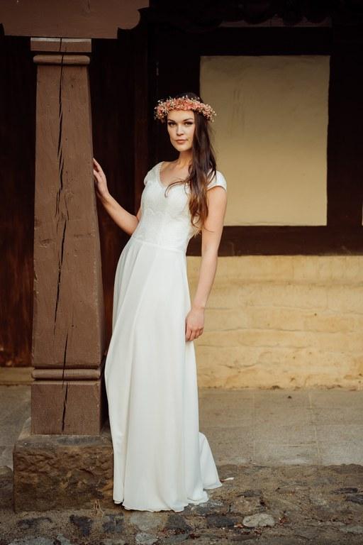 Brautkleid für die ältere Braut - elementar I moderne Brautkleider
