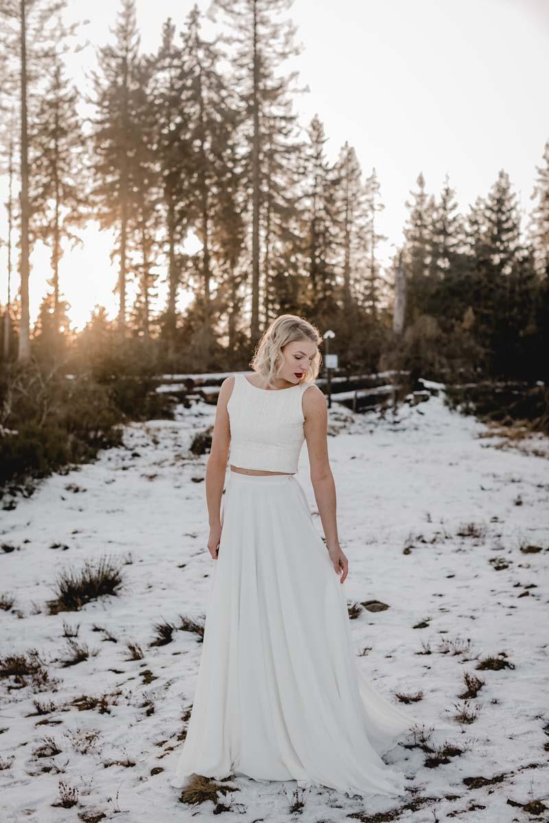 Brautkleid Zweiteiler mit Spitzentop und Tüllrock