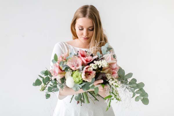 Brautkleid große Größe - Curvy Bride