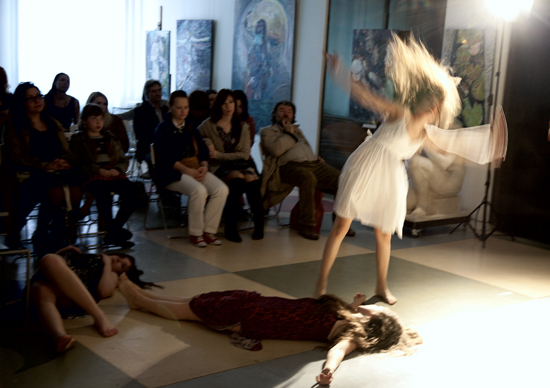 Dance 'Venice' on the vernissage in the gallery Art-Agency Colony on Red October