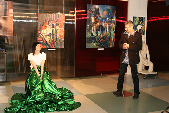 Performance on the vernissage in the Art Colony Gallery, Red October, Moscow, 18.11.2010