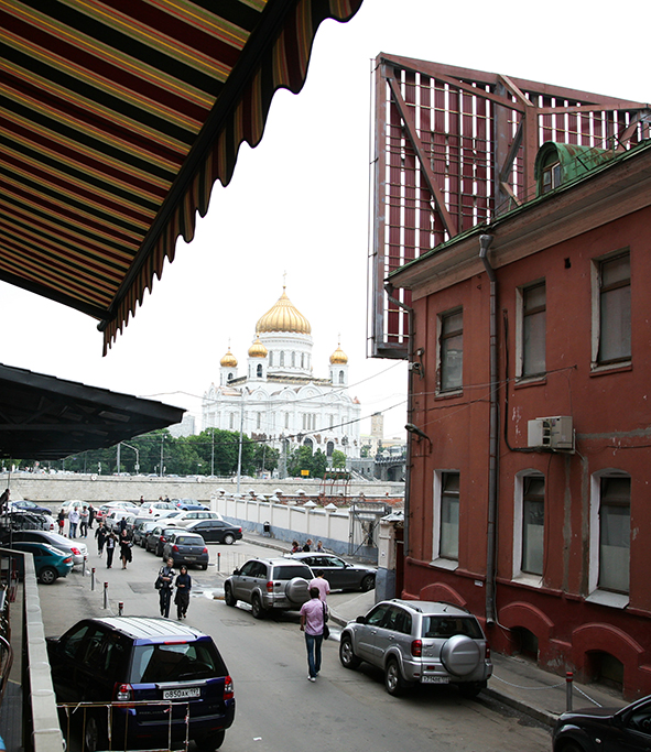 View of Moscow from the balcony of the Art Colony gallery. Сafeteria. Vernissage 10.07.2010
