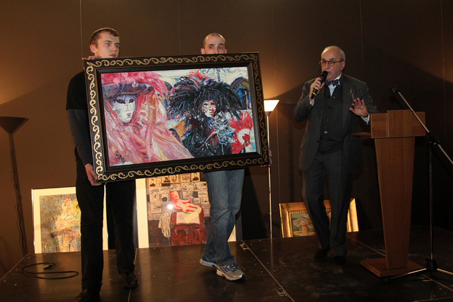 The painting of Igor Kormyshev was sold at a charity auction at the Art Fair.