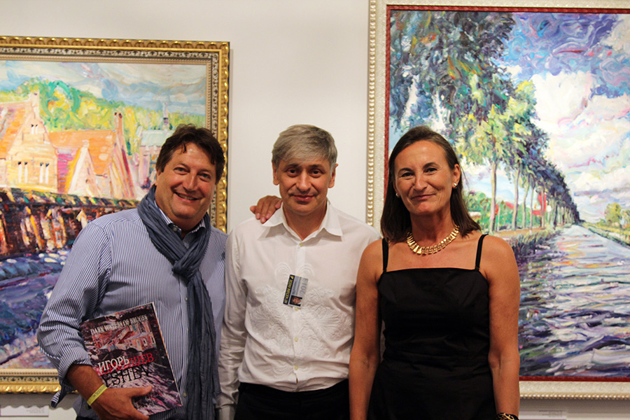 With the Tuteleers family, organizers of the Art Nocturne Knocke, at the stand