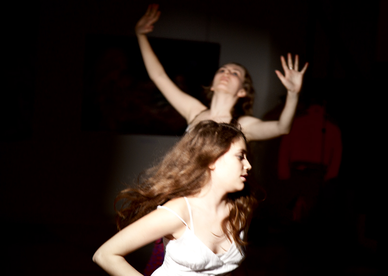 Dance 'Venice' with Dasha Kormysheva on the vernissage in the gallery Art-Agency Colony on Red October