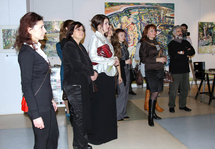 Vernissage at the Art Colony Gallery. Red October, Moscow, 21.12.2011
