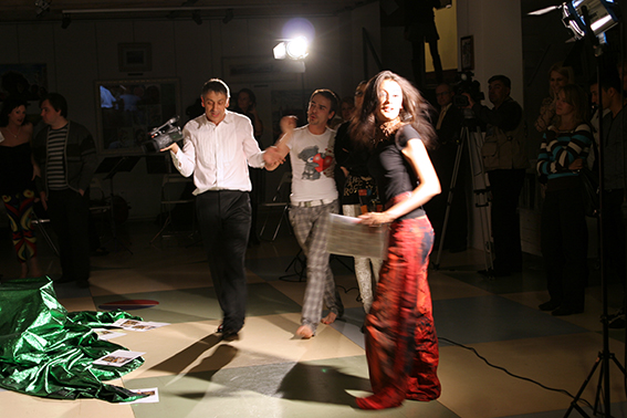 Performance on the vernissage 12.08.2010 in the gallery Art-Agency Colony on Red October, Moscow
