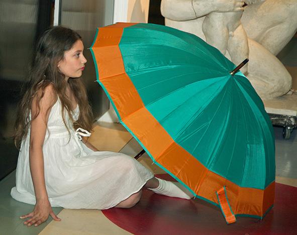 Dasha Kormysheva on the opening of the Art Colony gallery. Vernissage 10.07.2010