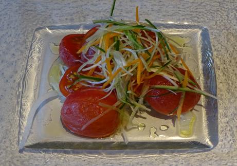 冷やしトマトのレアシュガーマリネ