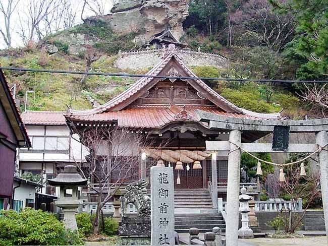 龍御前神社 旅館ますやの絵馬もここに奉納してあります。