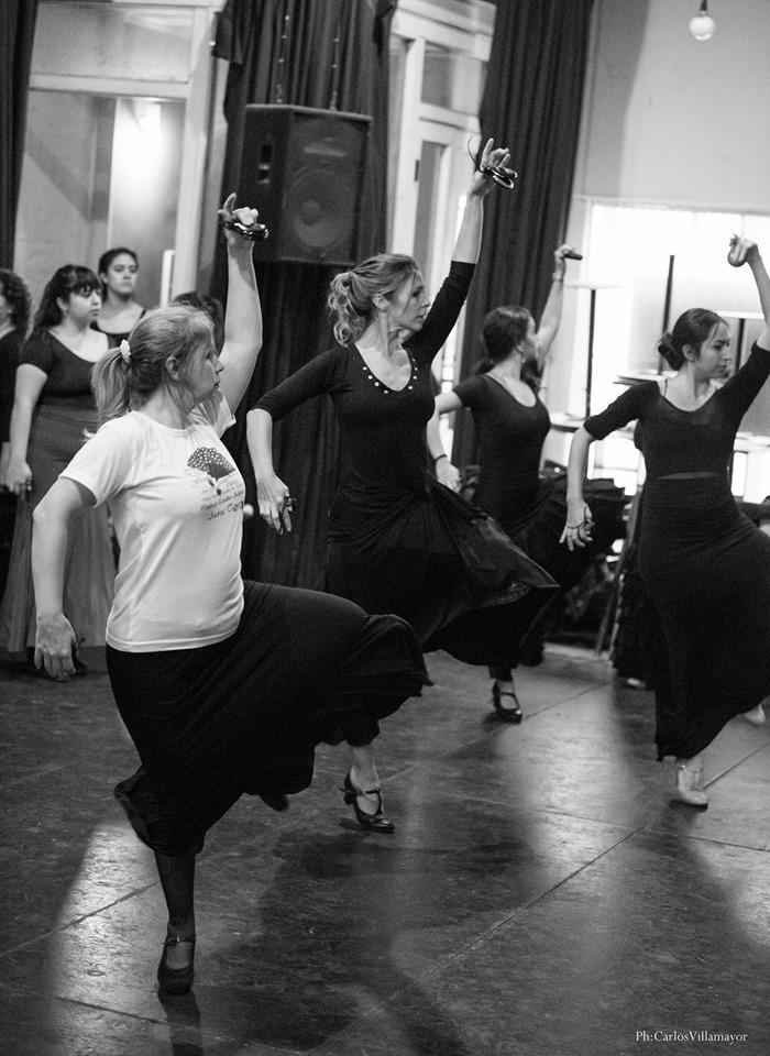 Participando de Cursillo dictado por bailarines del Ballet Nac de España (bs As)