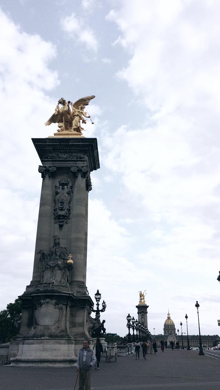 Mein Reisebericht und Tipps für Sehenswürdigkeiten in Paris, Frankreich, wie die Pont Alexandre III.