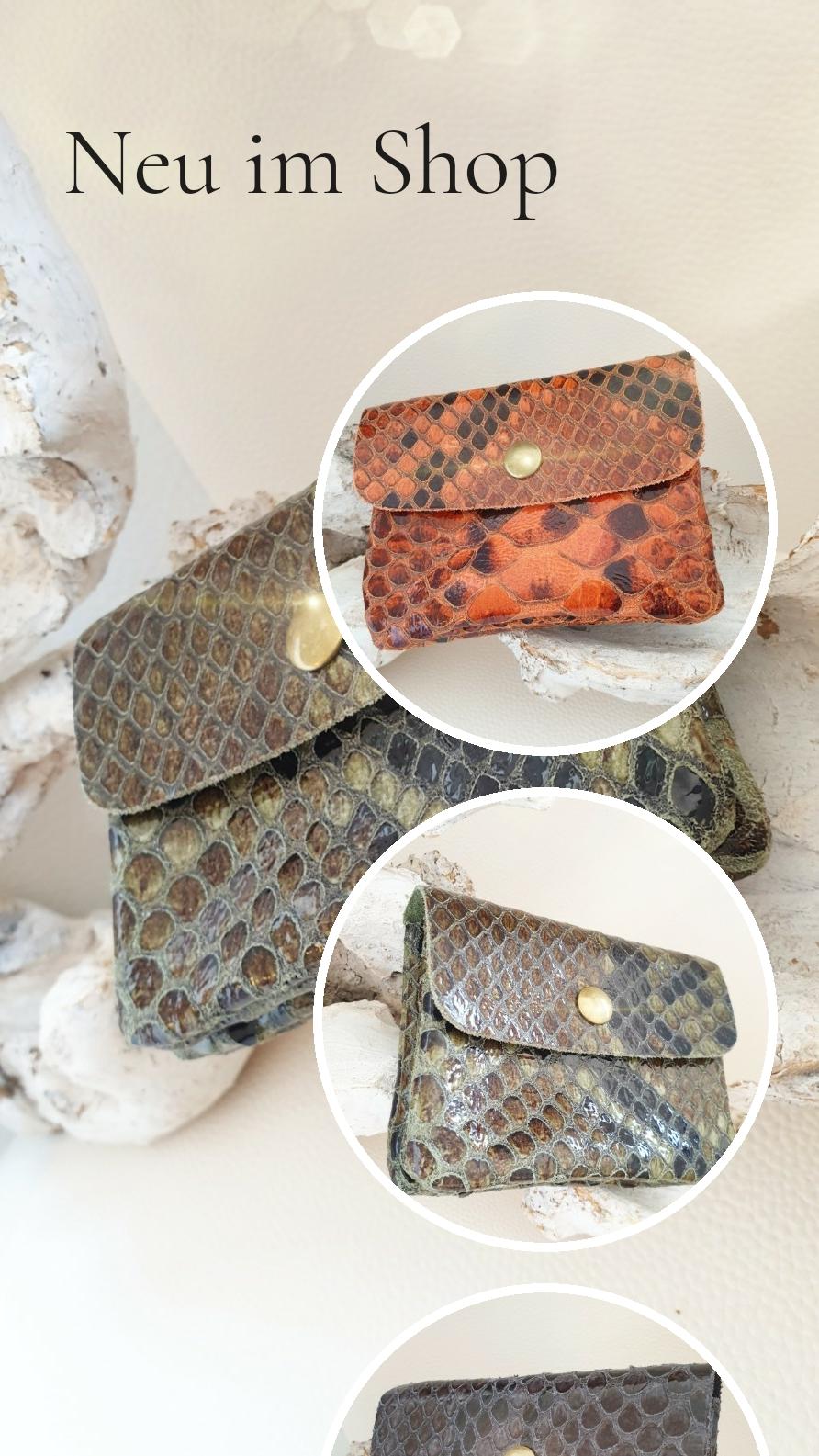 Kleine Geldbeutel aus Leder mit Schlangenprägung