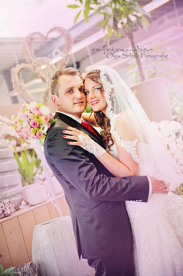 Hochzeit, Koblenz, Altenkirchen, Brautpaar, Brautpaarshooting, Hochzeitsrportage, Hochzeitstag, Kuss, Herz, olga schulz, os-fotozauber, Vintage, Verlobung, Blumenladen