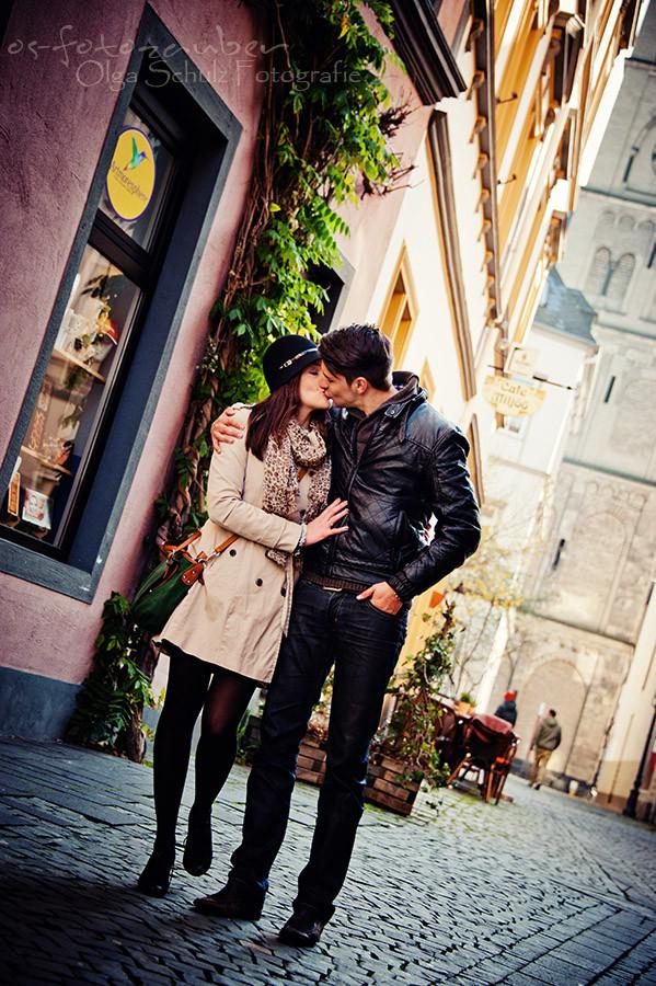 Paarshooting, Gutschein, Fotoshooting in Koblenz, kurfürstliches Schloss in Koblenz, verliebt, Verlobungsshooting, Engagementshooting, koblenzer Altstadt, Portrait