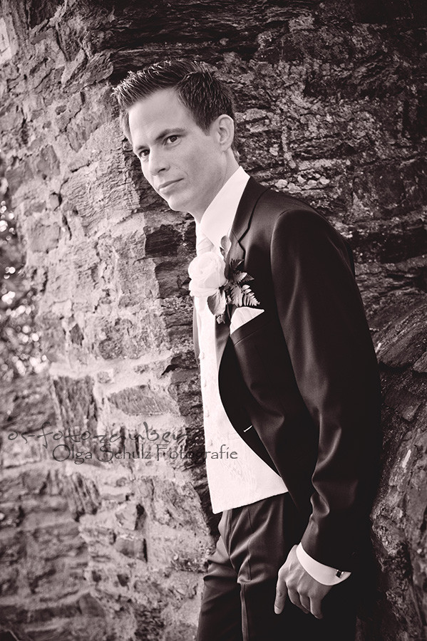Hochzeit Koblenz, Kobern-Gondorf, Hochzeit in Matthiaskapelle, Brautpaar, Brautpaarshooting, Herbstliches Hochzeitsshooting, Hochzeitsreportage, Braut, Braustrauß, Brautkleid, Brautigam