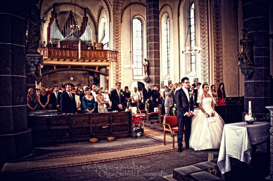 Kirchliche Trauung in Koblenz, Hochzeitsfotografie, Hochzeitsreportage, Braut und Bräutigam