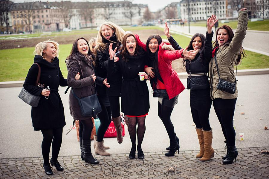 Junggesselinnenabschied in Koblenz, Mädels, Freundinenshooting, Fotoshooting in Koblenz, Koblenzer Schloss, os-fotozauber, Olga Schulz Fotografie, Überraschung, Geschenk
