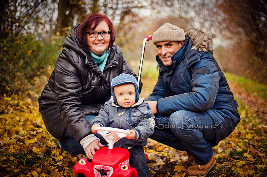 Familienshooting in Koblenz, Fotografin Koblenz, Mama Papa Kind, Boby-Car, Herbstlches Fotoshooting