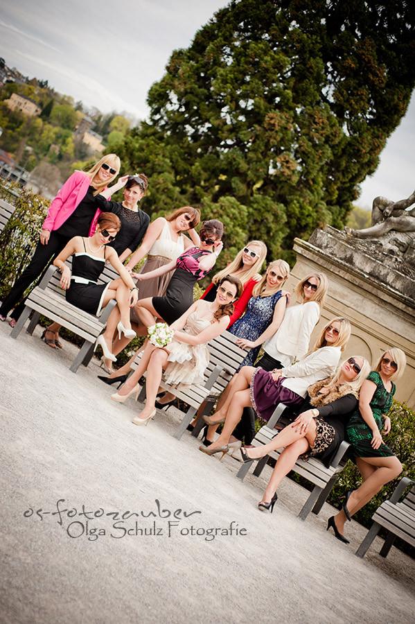 Kurfürstliches Schloss, Koblenz, Heiraten im Schloss, Standesamt Koblenz, standesamtliche Trauung, Ringtausch, Brautpaar, verliebt, Braut, Bräutigam, Kuss, mit Freunden, Freude, Liebe, Liebesglück,