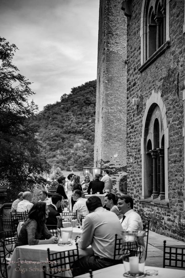 Hochzeitsfotografie, Koblenz, Kobern-Gondorf, Matthias-Kapelle, Hochzeit auf der Oberburg, Oldtimer, Hochzeitsfotografin Koblenz, Hochzeitsfotografie Koblenz, kirchliche Trauung, Hochzeitsfotograf Koblenz, Wedding, heiraten in Koblenz, Schloss Liebieg