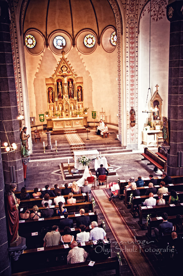 Kirche, kirchliche Trauung, Hochzeitsfotografie