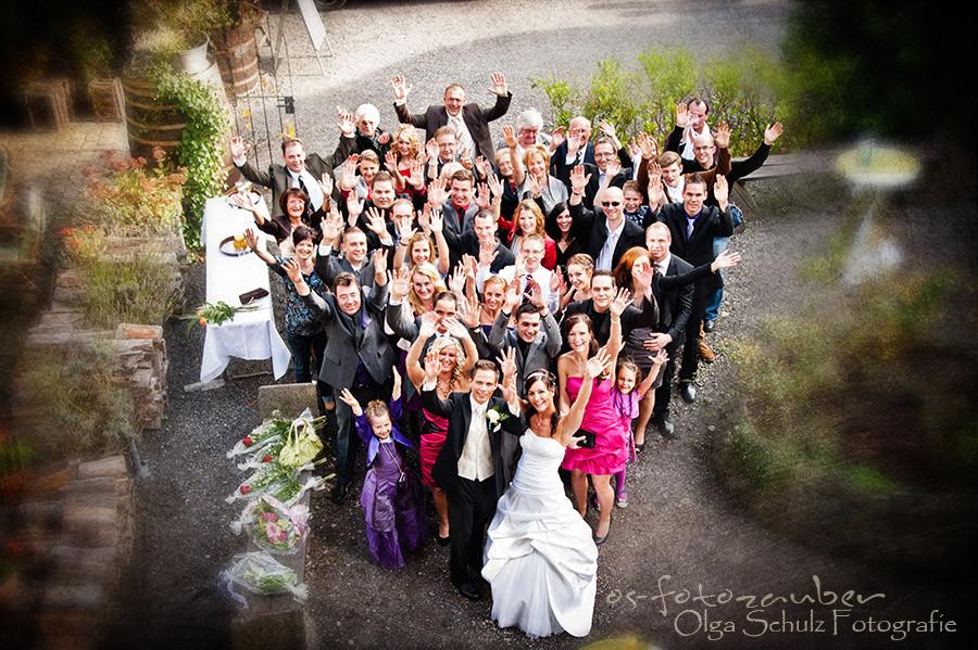 Hochzeit Koblenz, Kobern-Gondorf, Hochzeit in Matthiaskapelle, Brautpaar, Brautpaarshooting, Herbstliches Hochzeitsshooting, Hochzeitsreportage, Braut, Braustrauß, Brautkleid, Trauung, Gäste