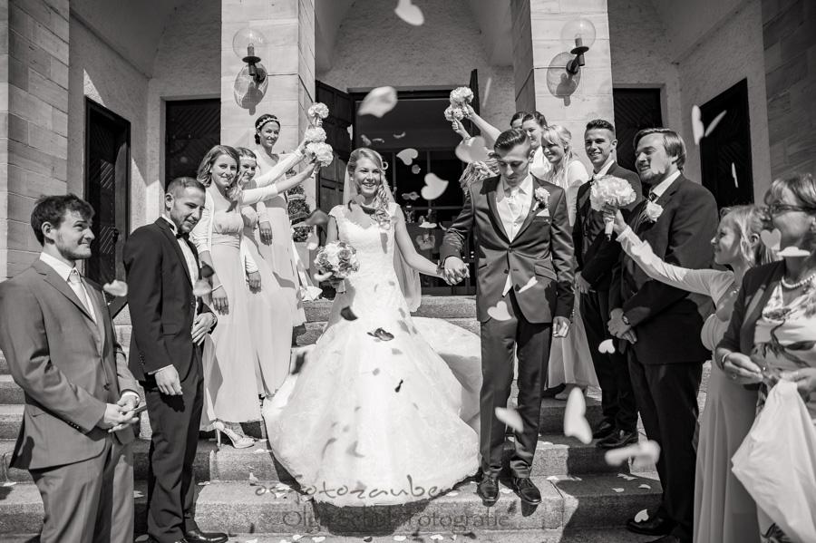 Hochzeitsfotografie Koblenz Hochzeitsfotografin Olga Schulz os-fotozauber RLP kirchliche Trauung Brautpaar Hochzeitsgäste Hochzeitsreportage fotografische Begleitung Zweibrücken Brautpaarshooting Fotografin Koblenz wedding heiraten Fotoshooting Love